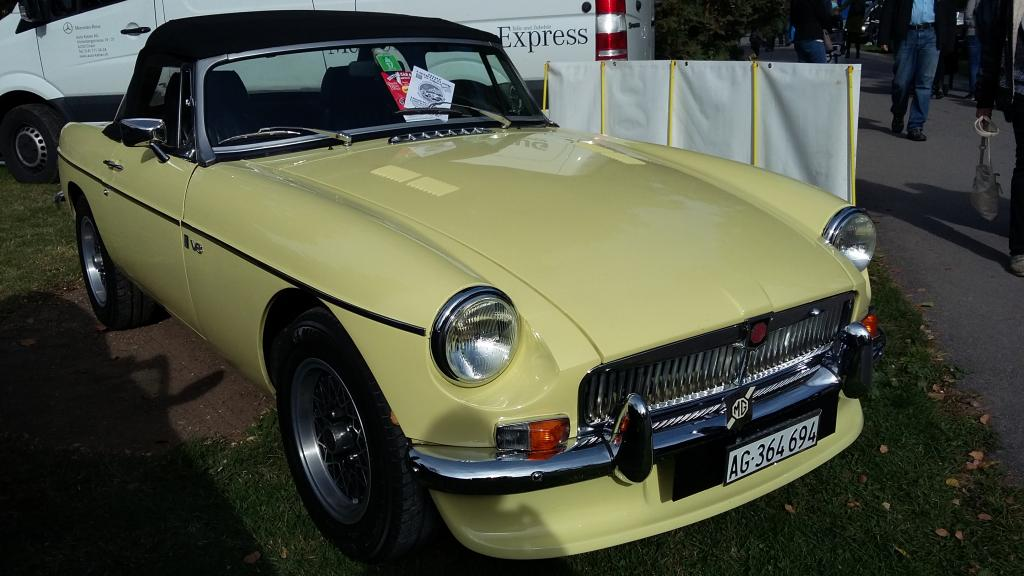 a MG roadster V8 at Morges 2017